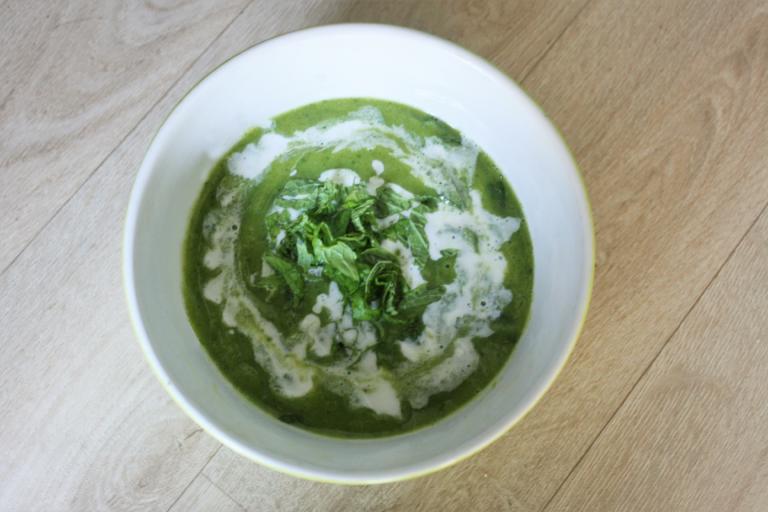 soupe froide courgette et menthe